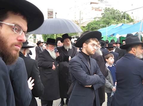"""הלוויה הרב שלום כהנוביץ זצ""""ל ברחובות"""