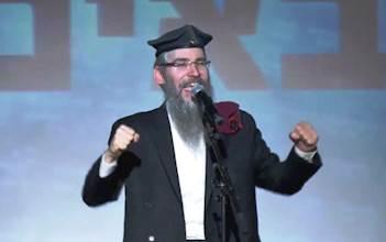 אברהם פריד בהופעה לחיילים